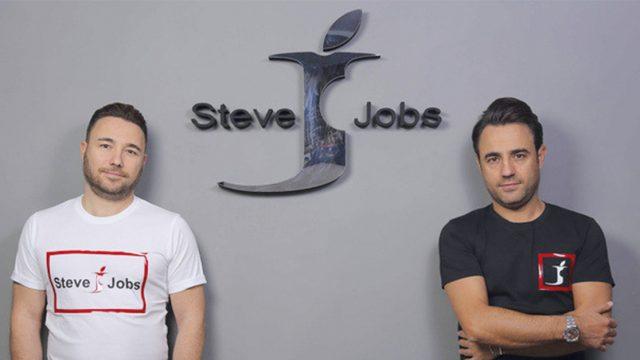 """Vittoria su Apple dei due fondatori del brand napoletano """"Steve Jobs"""""""